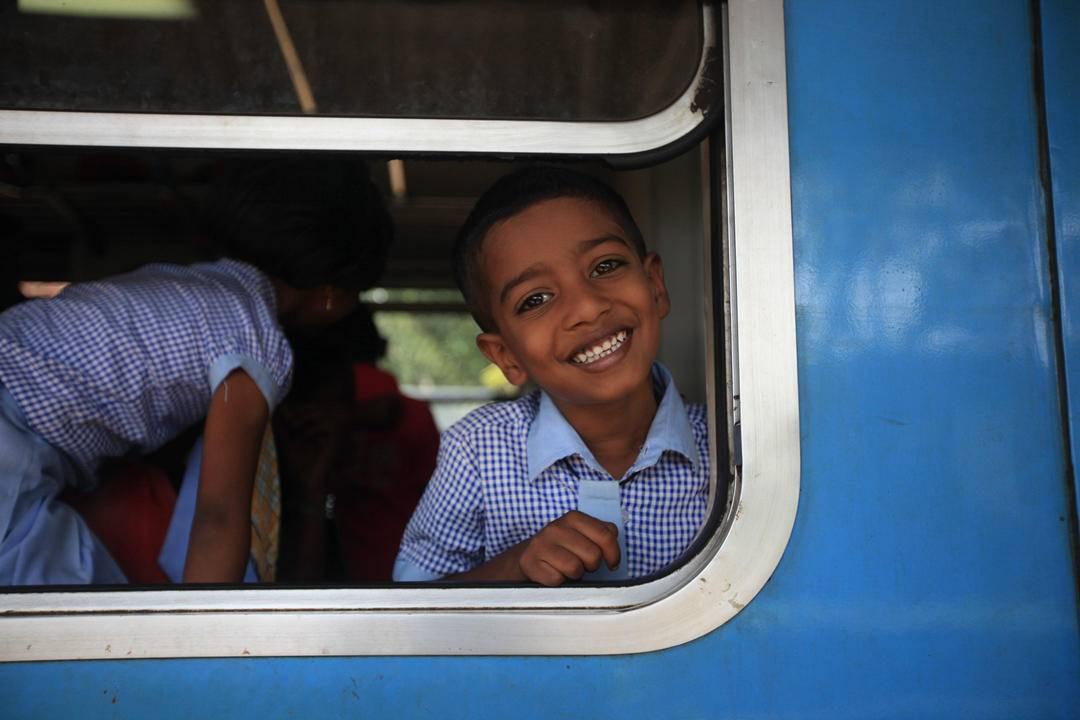 7. 茶园火车,这种镜头感,这种笑容,太感人勒.jpg