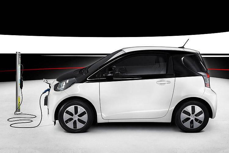 Toyota-iQ_EV-2013-1600-03.jpg