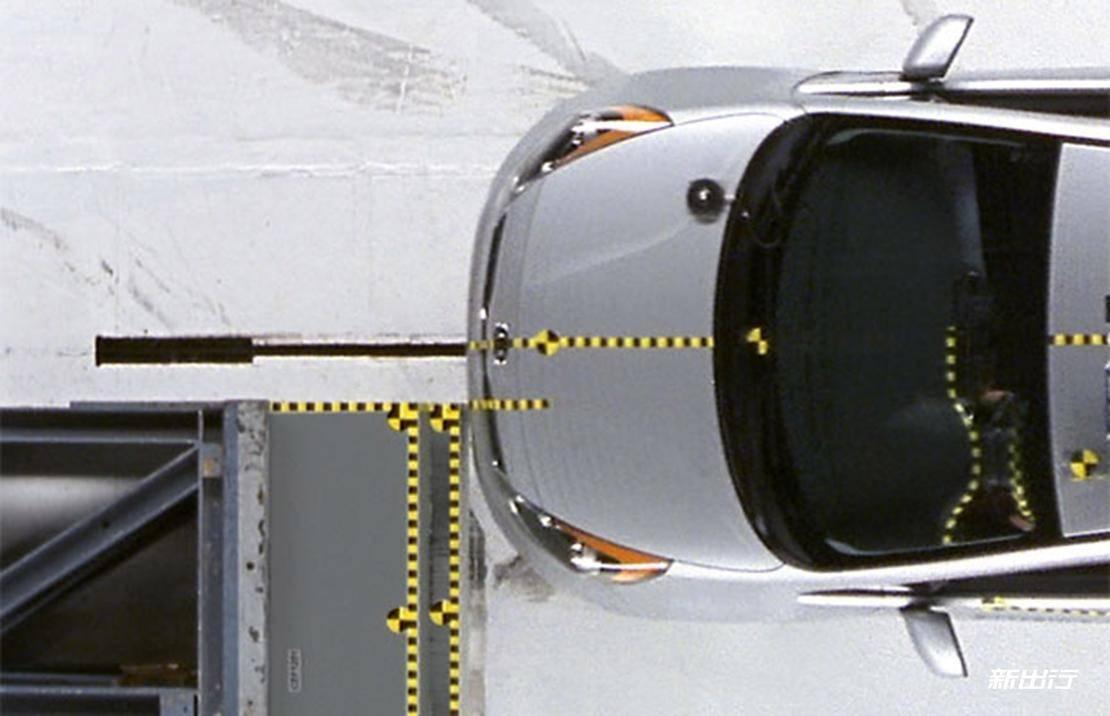 6-雪佛兰Bolt-IIHS碰撞测试.jpg