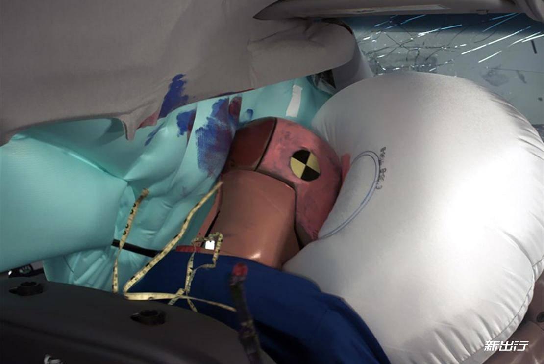 9-雪佛兰Bolt-IIHS-25%碰撞测试.jpg
