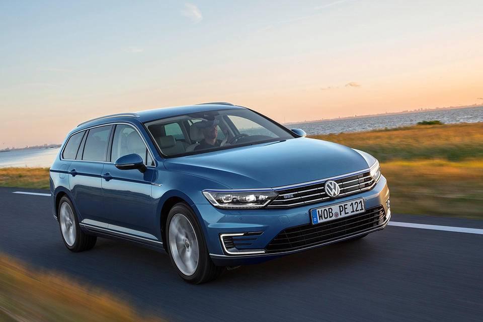 Volkswagen-Passat_GTE.jpg