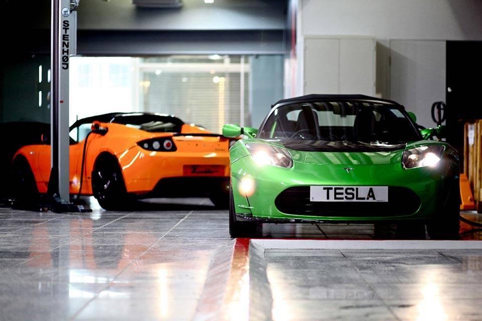 第一代特斯拉 Roadster.jpg
