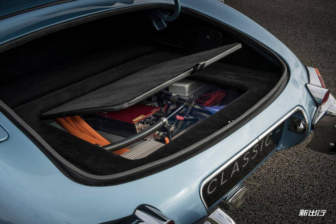 Jaguar-E-Type_Zero_Concept-2017-1600-09.jpg