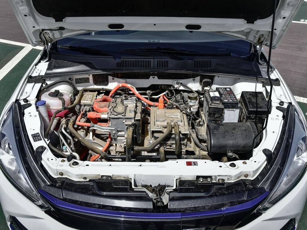 骏派A70E紧凑级纯电动轿车的电动机.jpg