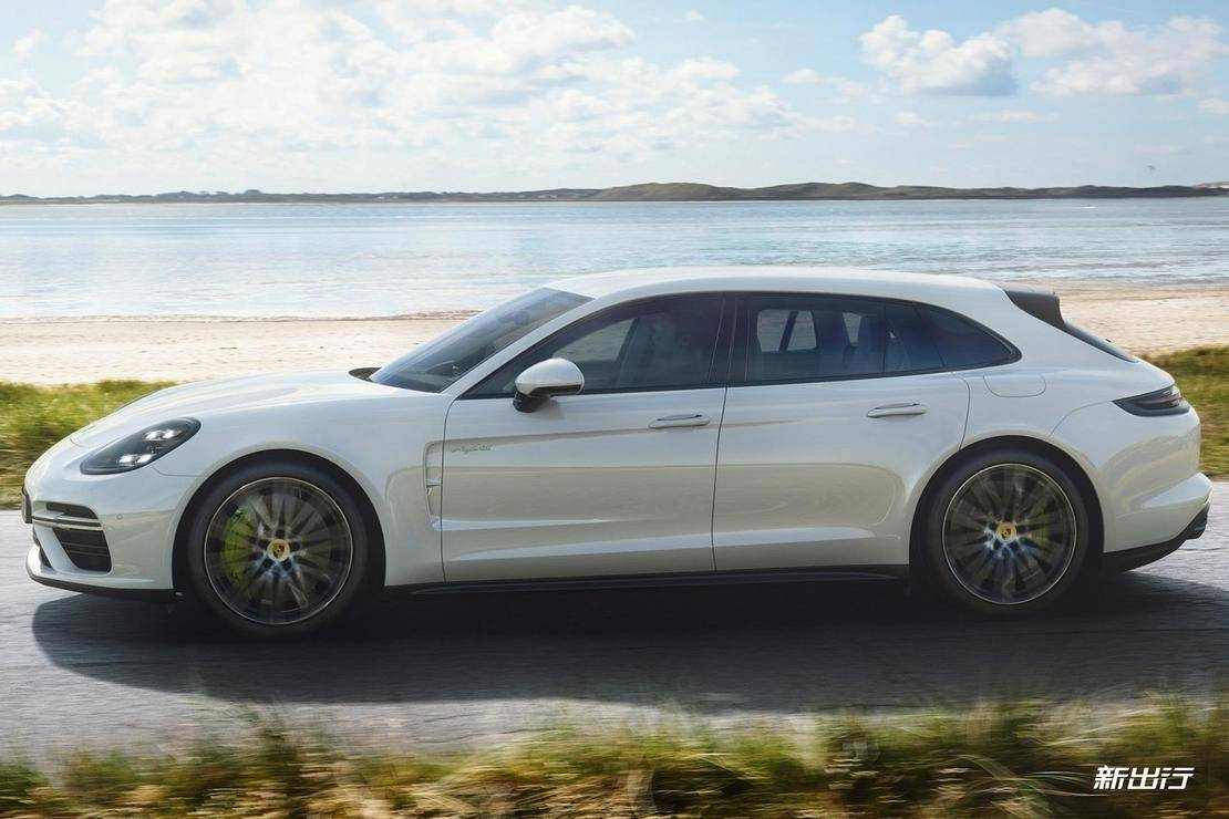 Porsche-Panamera_Turbo_S_E-Hybrid_Sport_Turismo-2018-1600-03.jpg