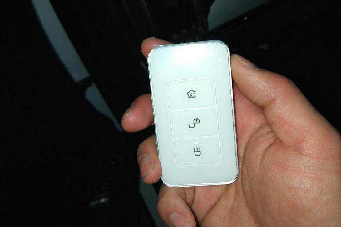 比亚迪全新一代SUV_16.jpg