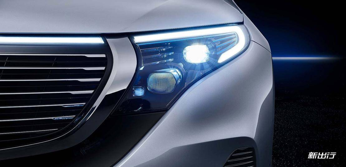 Mercedes-Benz_EQC_Into_01_926px.jpg