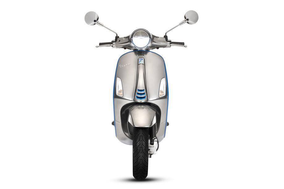 首款电动小型摩托车 Vespa.jpg