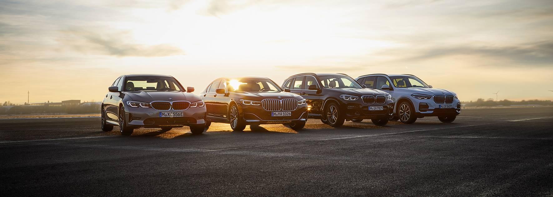 一线城市的路上奔跑的530le,x1 xdrive25le和 i3是宝马新能源车给