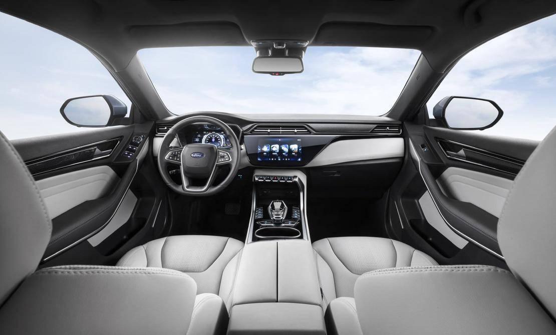 """领界EV独有""""星云灰""""双色拼接内饰,车内全LCD高精全数字仪表盘、旋钮式换挡机构和10.jpeg"""